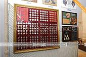 Коллекция монет в музее рыбы и рыболовства в Феодосии -  Крым