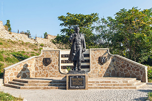 Памятник Афанасию Никитину, Феодосия